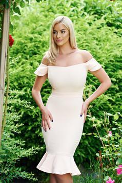 LaDonna peach elegant dress ruffles at the buttom of the dress
