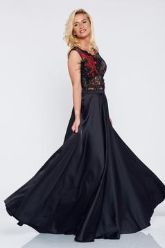 Embroidered LaDonna black elegant set with satin fabric texture