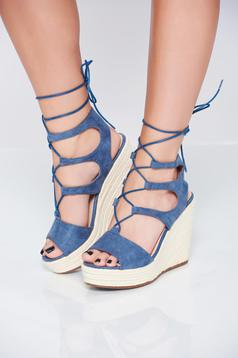 Blue casual sandals with ribbon fastening