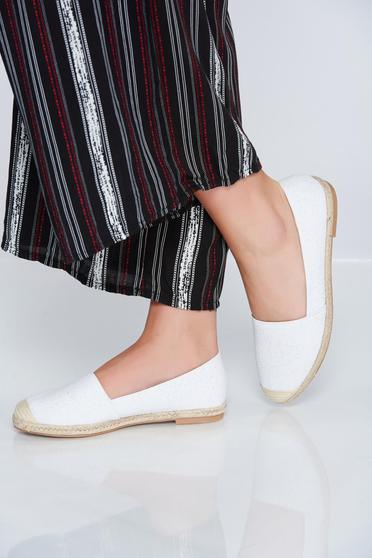 White espadrilles with low heel and glitter details