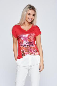 Red casual t-shirt with floral prints from elastic cotton