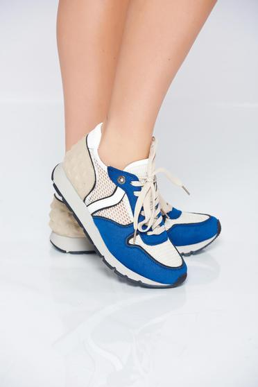 Blue sneakers light sole with lace