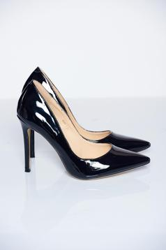 Black shoes elegant slightly pointed toe tip
