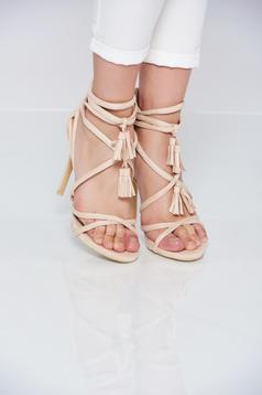 Cream high heels sandals with straps