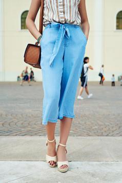 Top Secret blue casual 3/4 trousers with medium waist