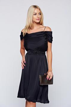 Occasional cloche LaDonna black off shoulder dress