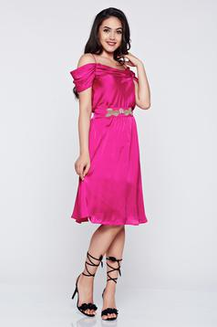 Occasional cloche LaDonna pink off shoulder dress