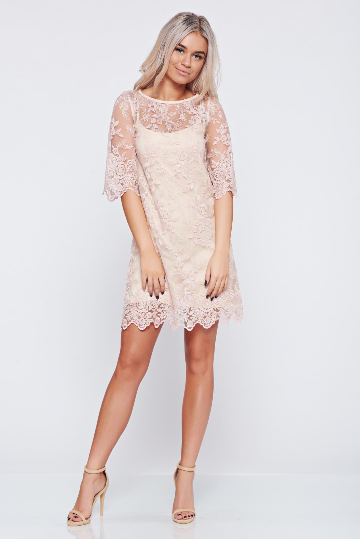 Rochie de ocazie LaDonna rosa din material dantelat
