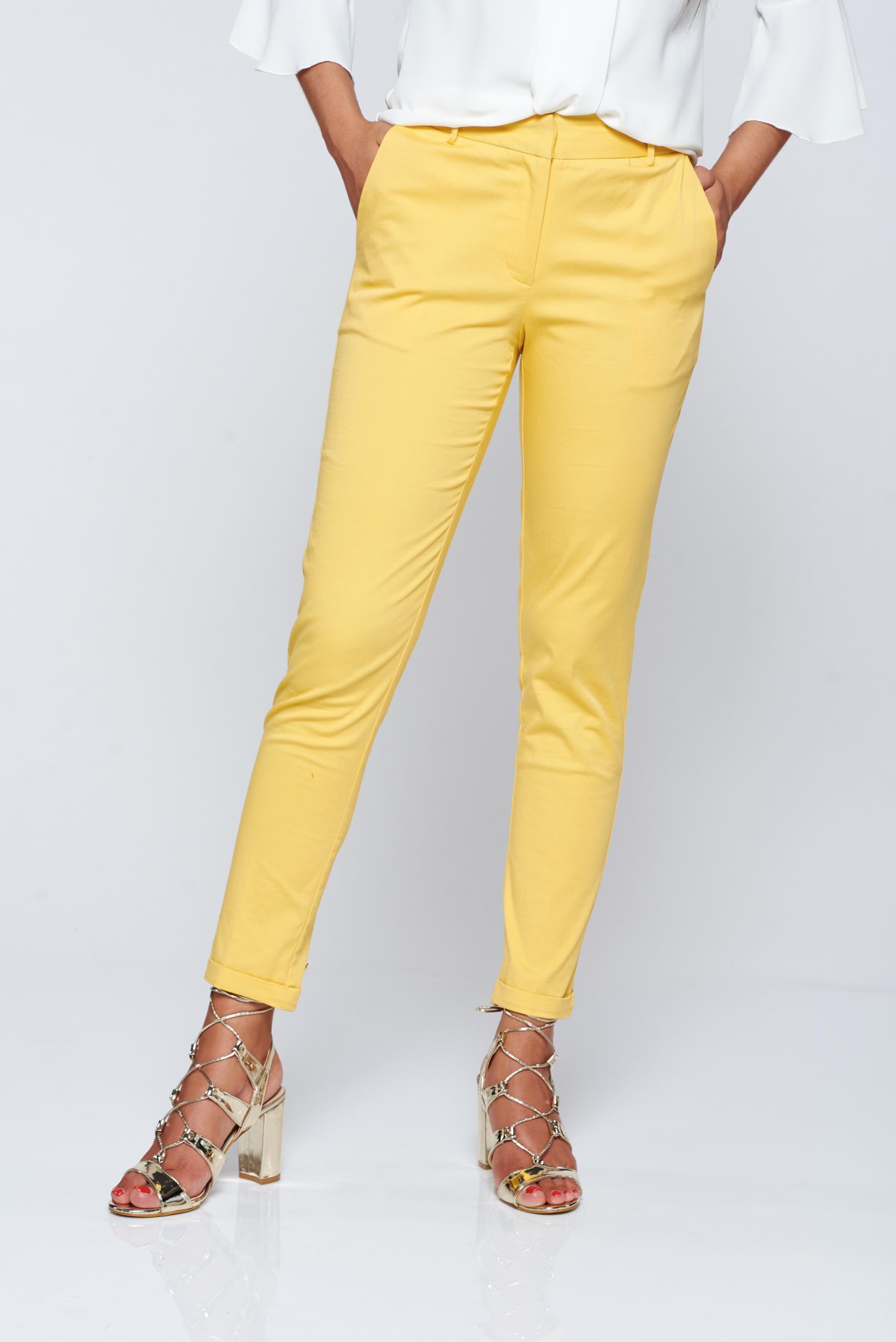Pantaloni Top Secret galbeni conici cu talie medie