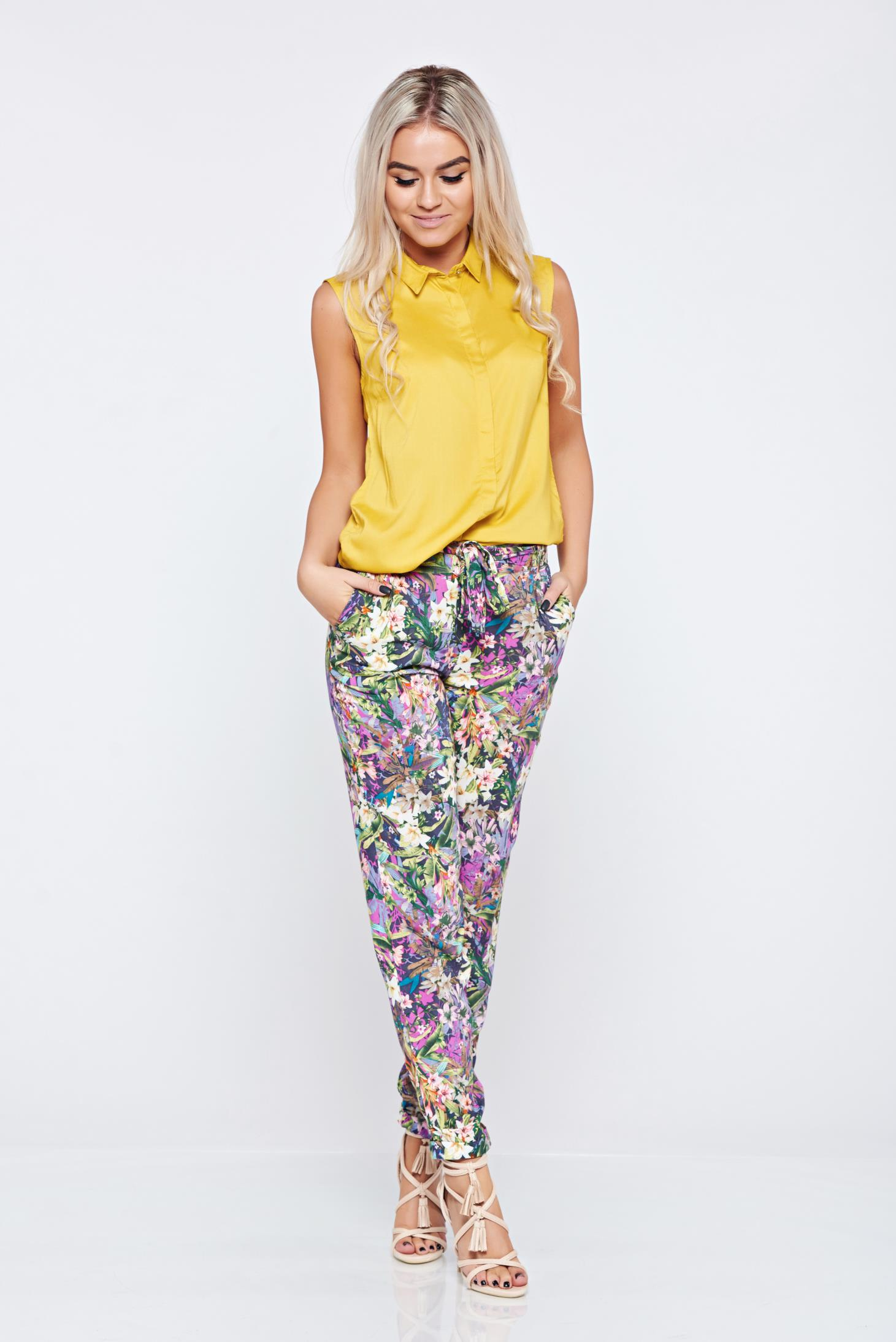 Pantaloni casual conici Top Secret rosa cu imprimeu floral