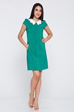 Fofy green easy cut dress with pockets