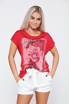 Red casual cotton t-shirt print details