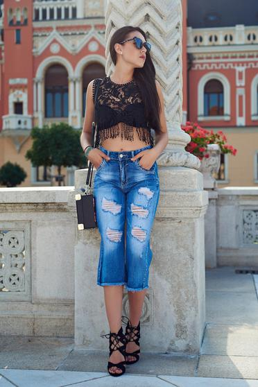 Blue 3/4 cotton jeans with medium waist