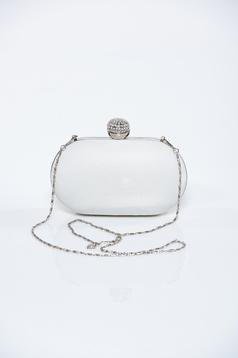 White clutch bag metalic accessory glitter details