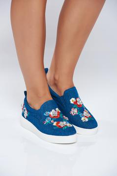 Blue casual light sole sneakers embroidery details