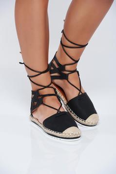 Black low heel espadrilles with ribbon fastening