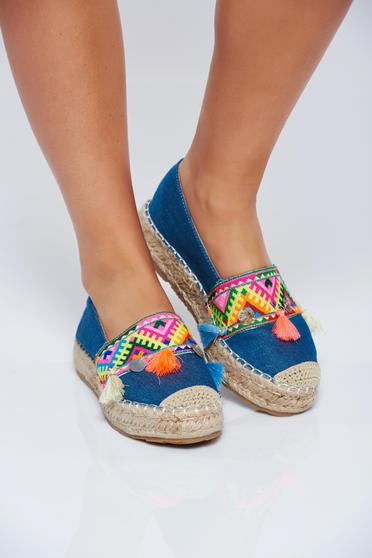 Darkblue espadrilles with tassels and embroidery details