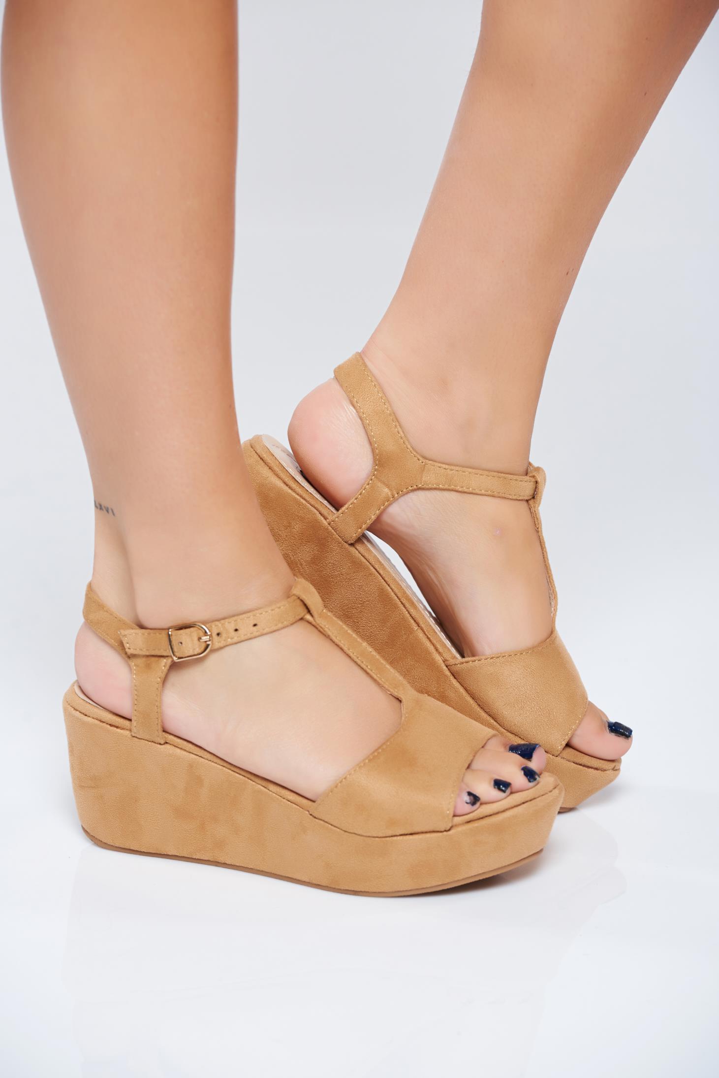 Sandale casual maro cu barete subtiri