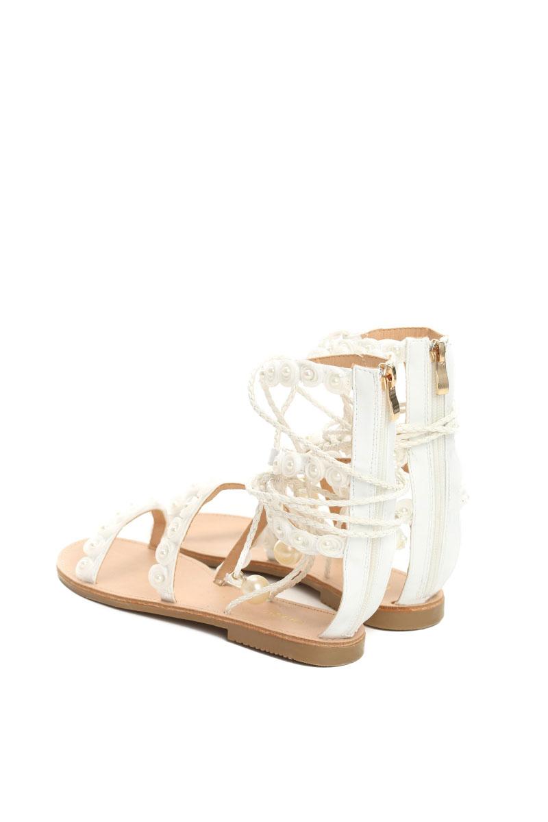 Sandale albe cu talpa joasa cu aplicatii cu perle accesorizate cu snur