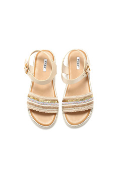 Cream sandals with metallic buckle and small beads embellished details