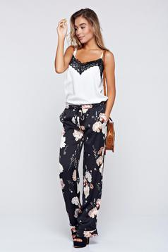 PrettyGirl cream trousers with floral prints with pockets festival look by
