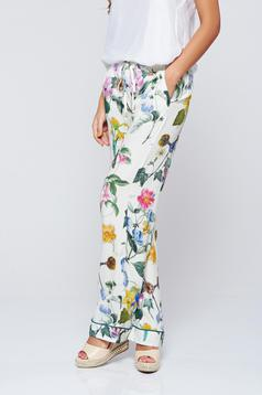 PrettyGirl green trousers with floral prints with pockets festival look by