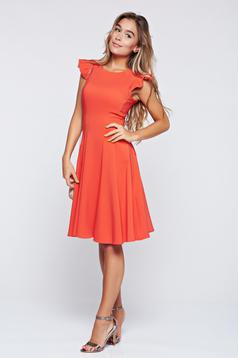 Fofy coral cloche dress with ruffled sleeves