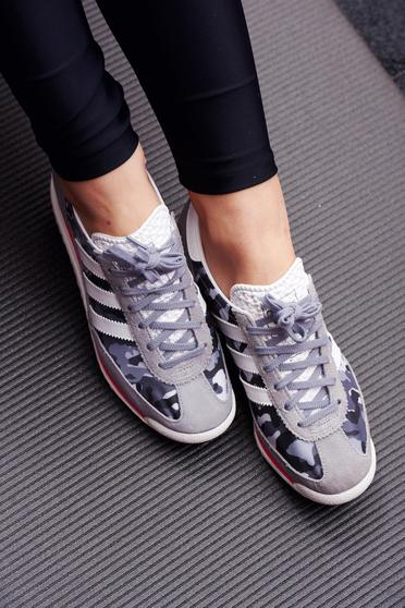 Adidas originals casual grey sneakers with print details
