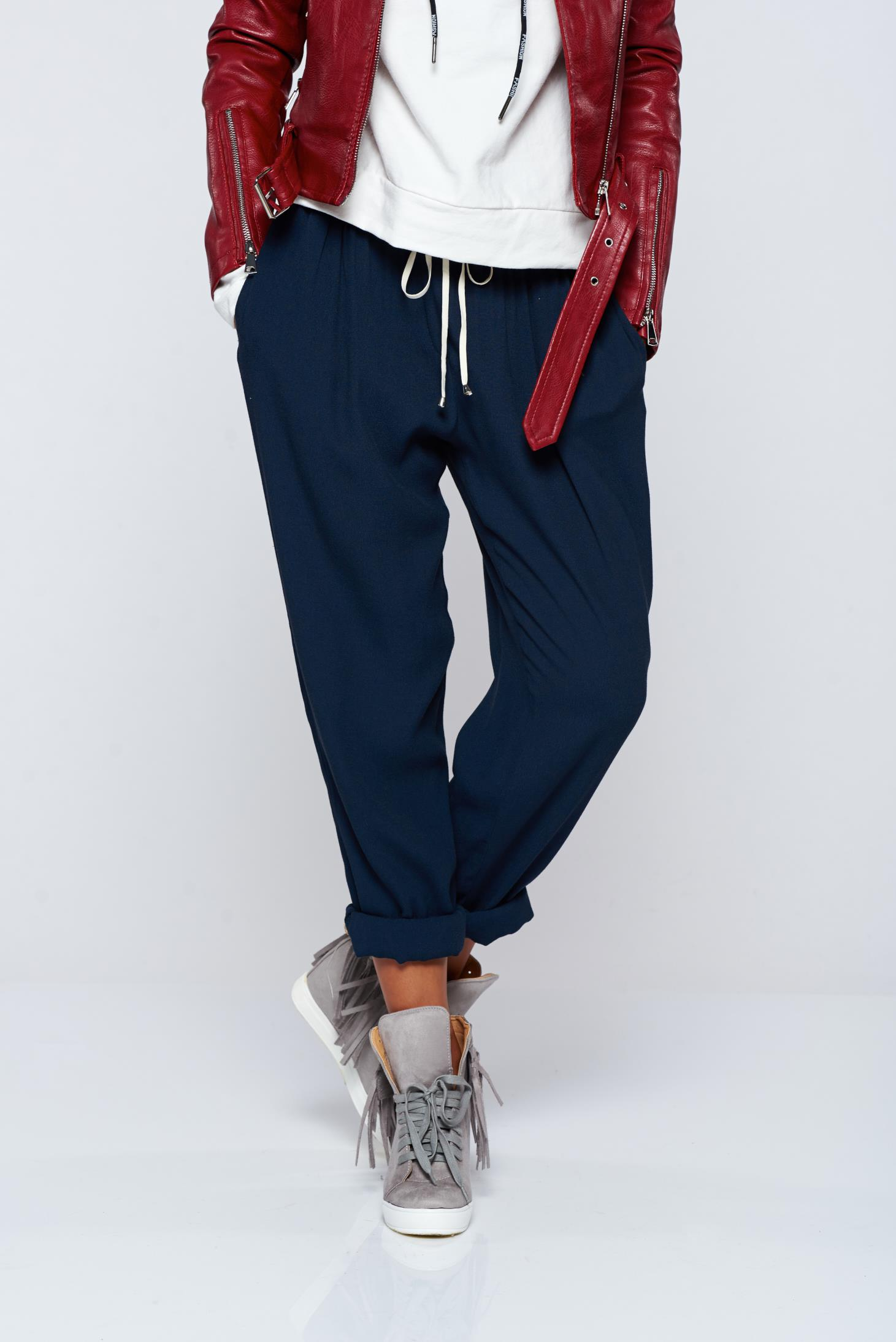 Pantaloni PrettyGirl albastru-inchis casual din material vaporos cu buzunare