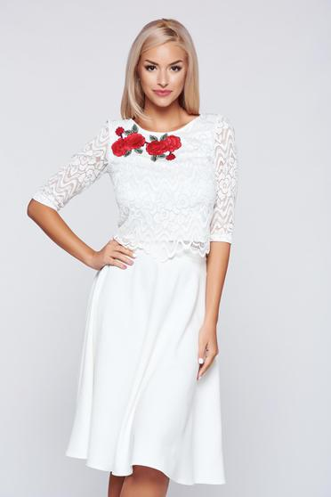 StarShinerS white elegant embroidered laced set