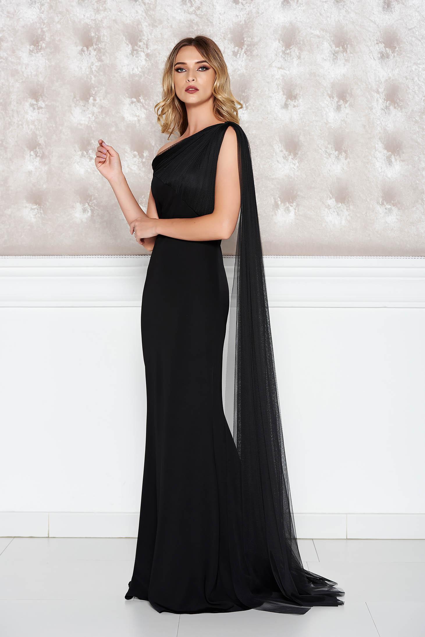 Rochie Ana Radu neagra de lux tip sirena din material usor elastic pe umar