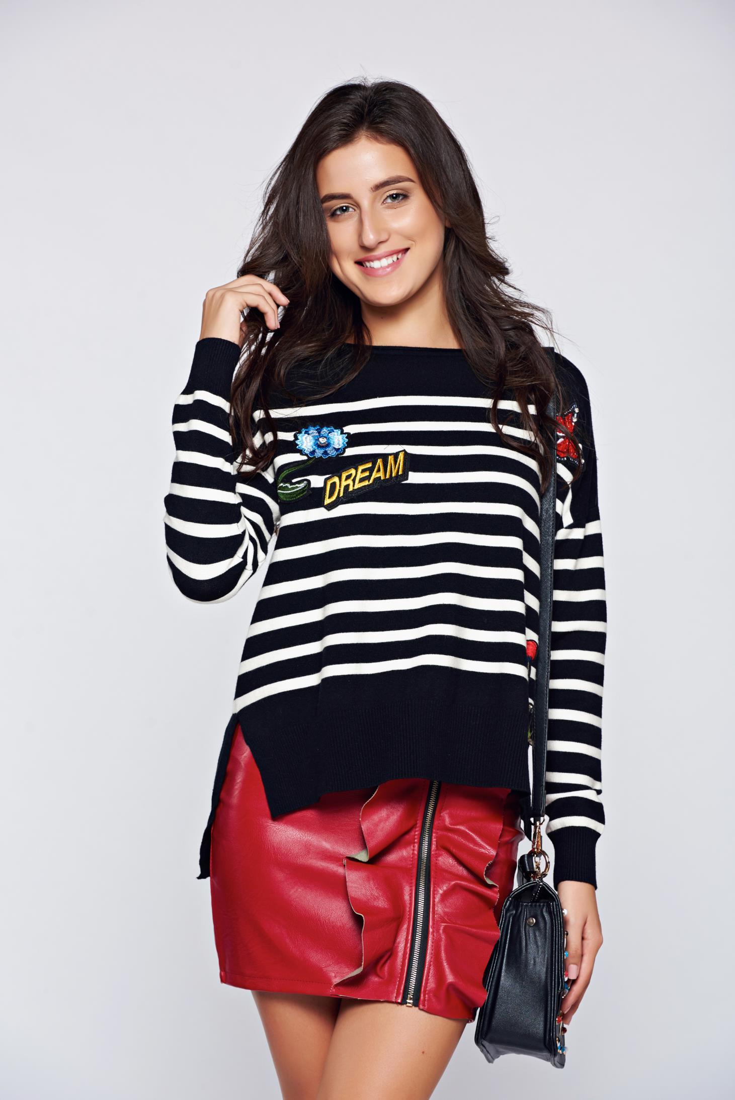 Pulover negru casual tricotat cu insertii de broderie