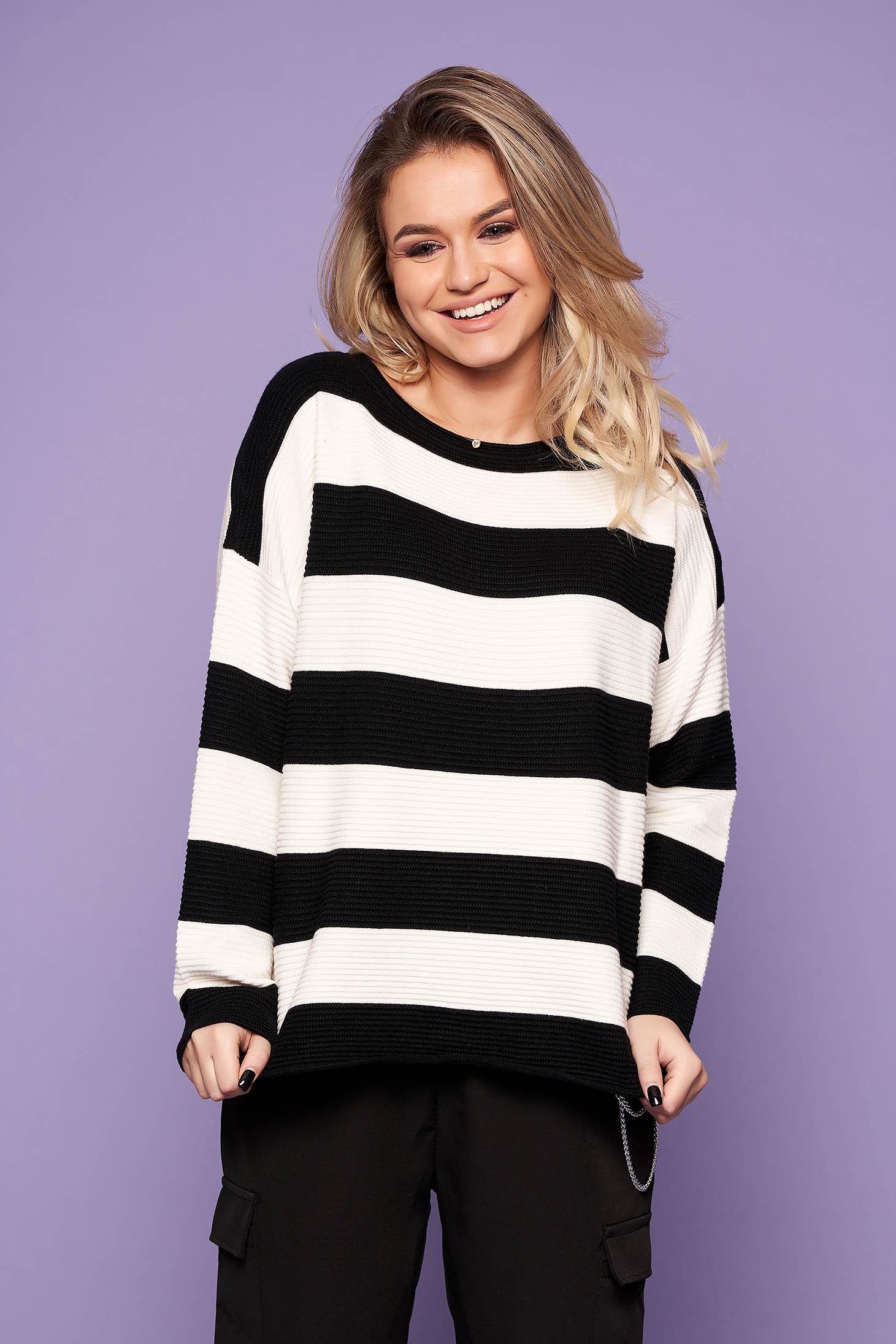 Pulover SunShine negru casual scurt tricotat cu croi larg cu maneci lungi si dungi