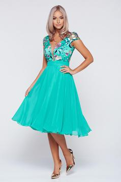 Occasional Fofy green embroidered cloche dress