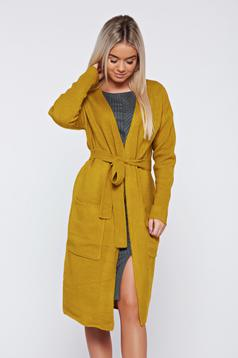 Top Secret yellow casual flared trenchcoat accessorized with tied waistband
