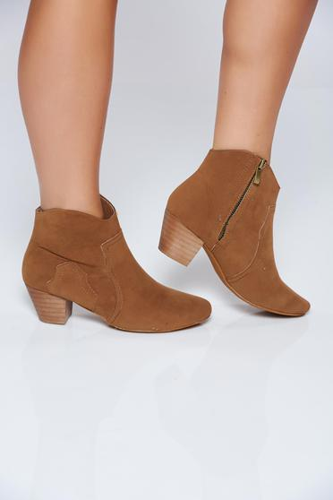 Square heel brown casual ankle boots from ecological leather