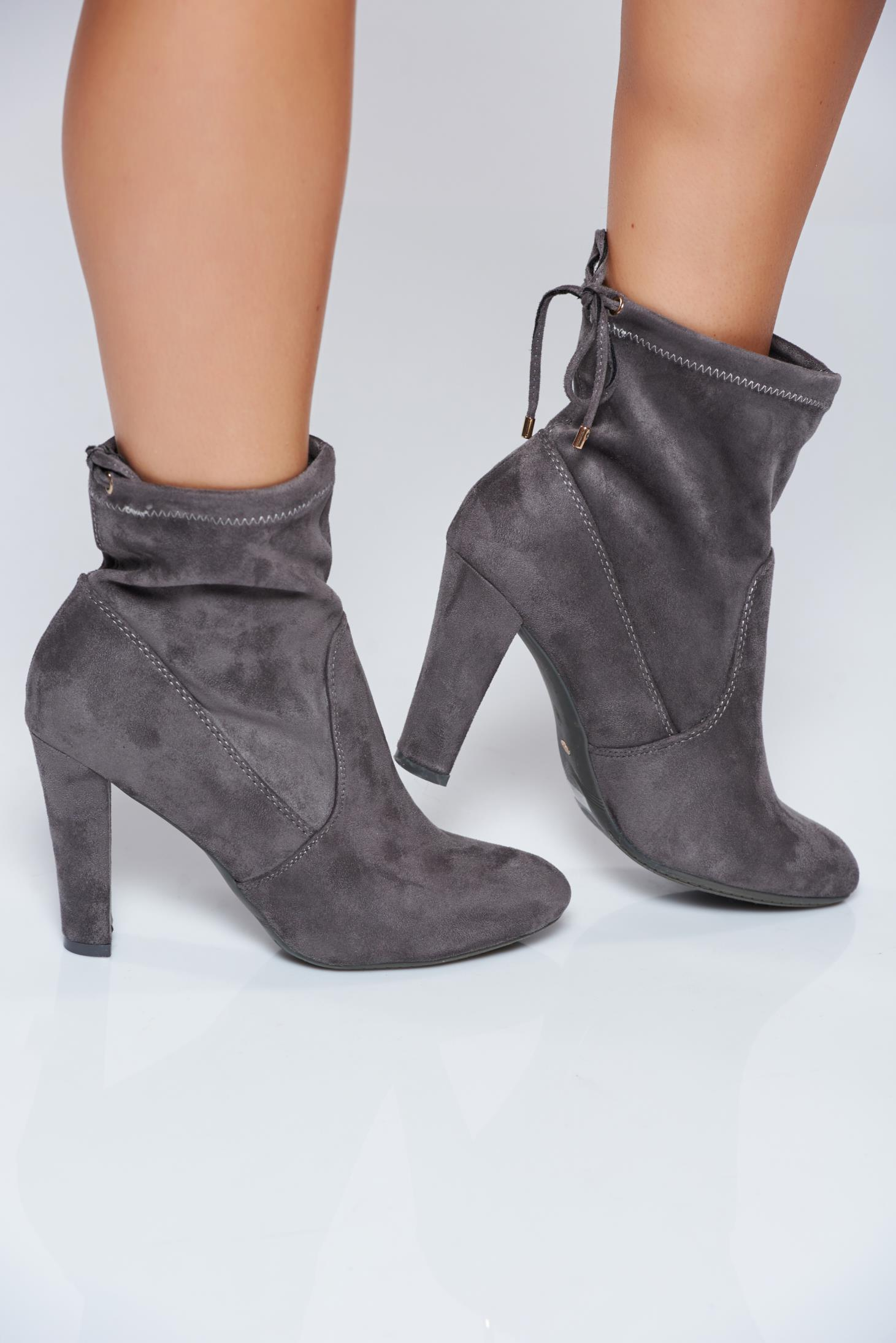 3120c6189fa high-heels-darkgrey-casual-ankle-boots-with-ribbon-S031535-1-307903.jpg