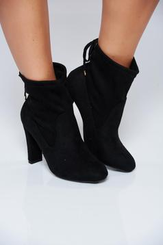 Black high heels casual ankle boots with laced details