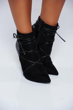 Black high heels office ankle boots with laced details
