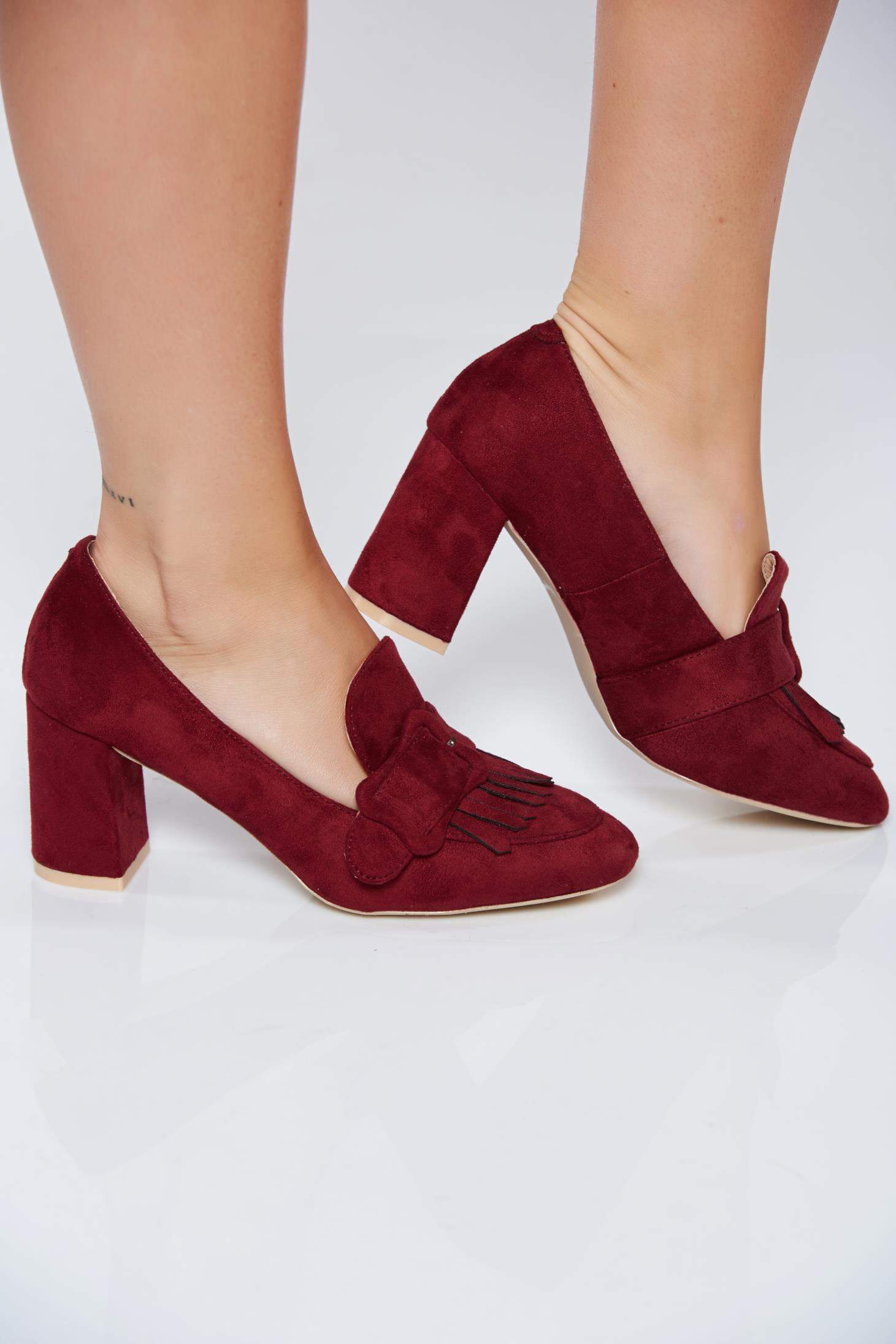 Burgundy office shoes with square heel and fringes