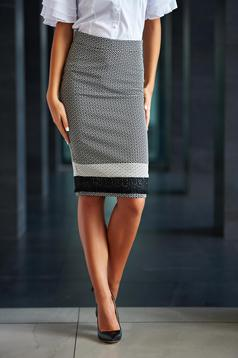 LaDonna black office pencil skirt with geometrical print