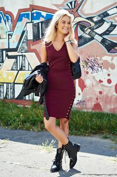Sleeveless burgundy pencil casual dress