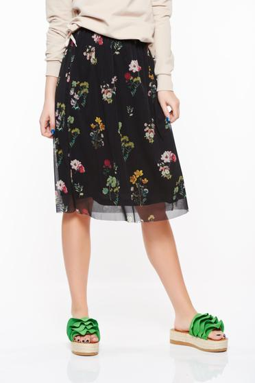 Top Secret black skirt casual from tulle embroidered with elastic waist