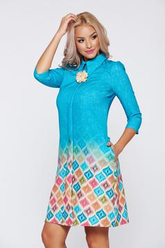 Fofy blue office dress with pointed collar and 3/4 sleeves
