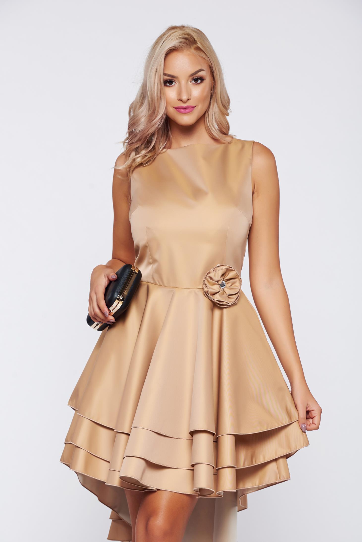 Krém PrettyGirl harang alakú alkalmi ruha szatén anyagból 0226f06ac2