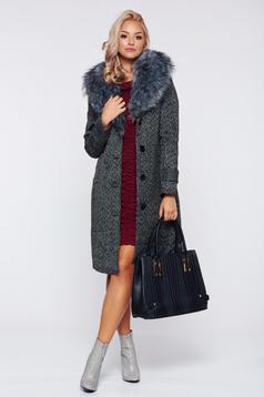 Elegant black casual coat with faux fur accessory