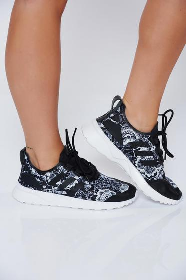 Adidas originals black casual sneakers with lace light sole
