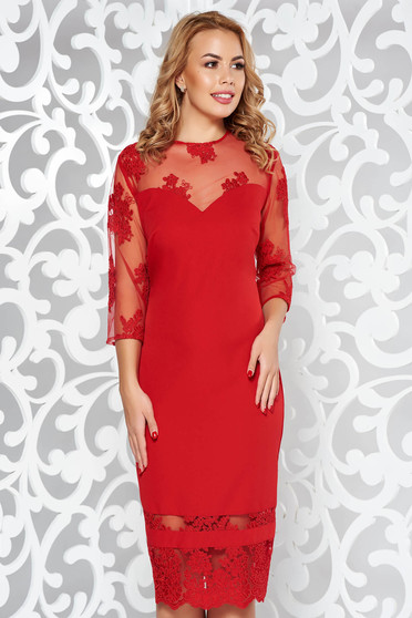 Occasional red dress with veil sleeves and embroidery details