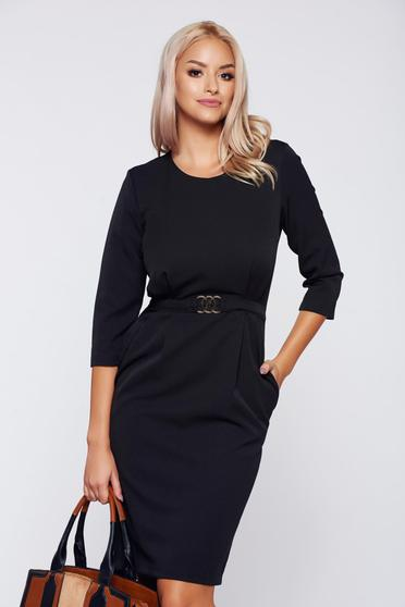 PrettyGirl office black dress with metalic accessory