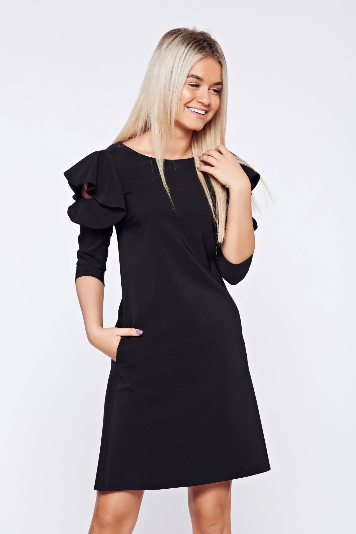 Rochie LaDonna neagra cu croi larg din stofa usor elastica cu volanase la maneca
